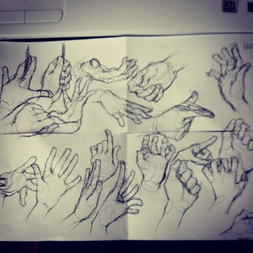 julialost:  I had a few minutes to kill at work so I drew some hands, cause it's relaxing~