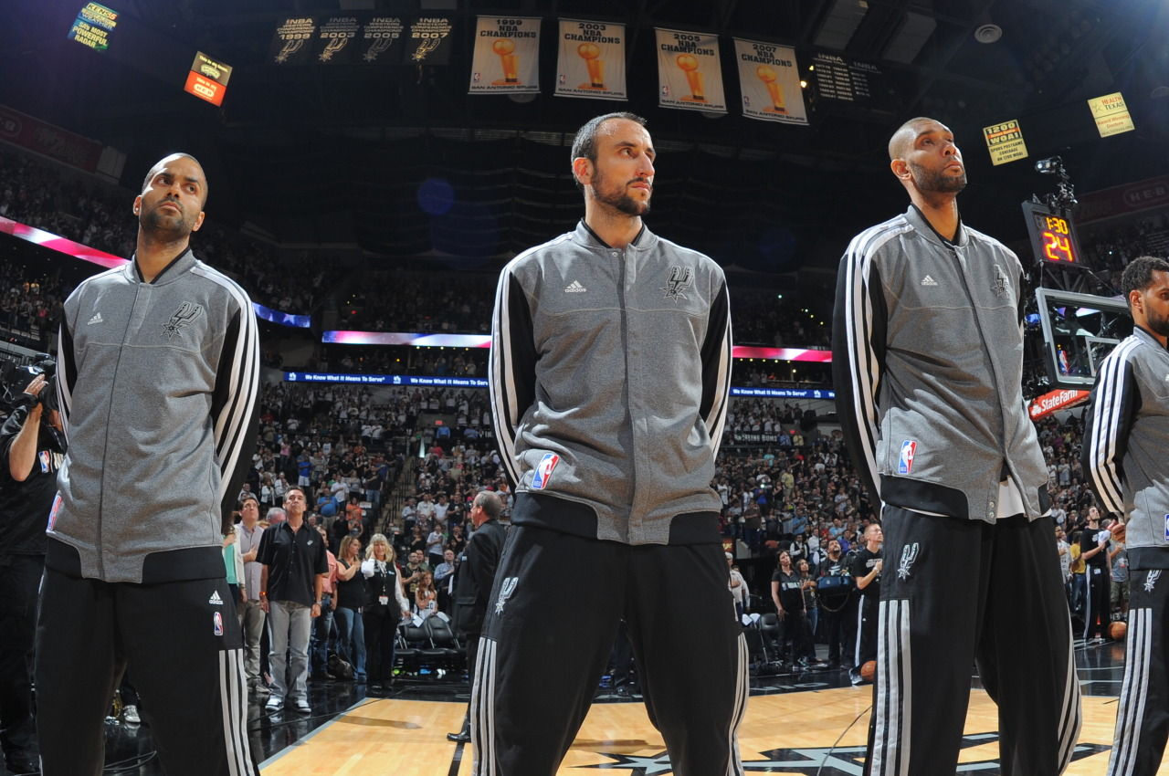 nba:  The San Antonio Spurs line up for the Game One of the Western Conference Finals between the Memphis Grizzlies and the San Antonio Spurs during the 2013 NBA Playoffs on May 19, 2013 at the AT&T Center in San Antonio, Texas.  (Photo by Andrew D. Bernstein/NBAE via Getty Images)