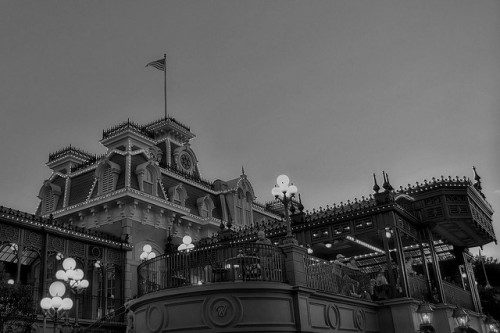 diisneydreaming:  Disney - Main Street Train Station - B & W by Express Monorail on Flickr.