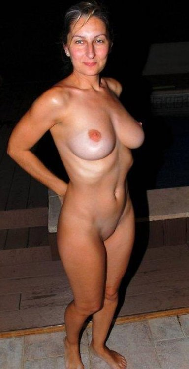allhotmoms: