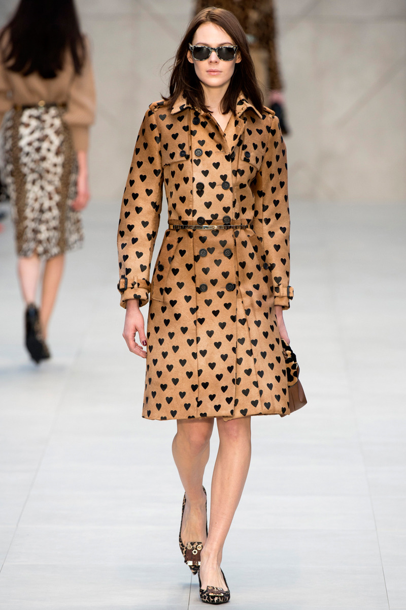 yourmothershouldknow:  Burberry Prorsum Otoño/Invierno 2013 Semana de la Moda de Londres ….. Burberry Prorsum Autumn/Winter 2013 London Fashion Week
