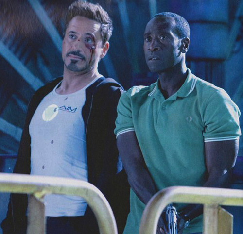 inscarletsilence:   Robert Downey Jr. and Don Cheadle behind the scenes of Iron Man 3 (Note the A.I.M. t-shirt…)  #yes yes YES YES YES YESSSSSSSSS #LOOK AT TONY ALL BLOODY #LOOK AT RHODEY LOOK AT RHODEY'S ARMS #LOOK AT RHODEY'S GUN YES YES YES HE'S GOT A GUN #I AM CRYING THIS IS GREAT #pile of dicks #rhodey #iron man 3#iron man 3 spoilers #THIS IS A GOOD SIGN FOR ME