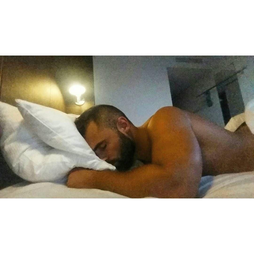 2019-01-18 04:42:40 - happy saturday almohada cama pillow bed beardburnme http://www.neofic.com