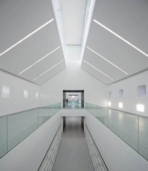 design-fjord:  Civic Centre of Palencia - Exit Architects