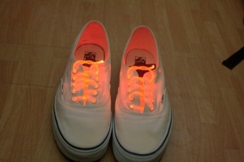 Style. / neon laces on We Heart It. http://weheartit.com/entry/48080207/via/elsableda