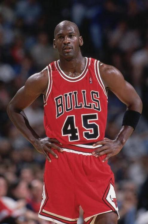 upnorthtrips:  BACK IN THE DAY  | 3/19/95 | Michael Jordan returns to the Chicago Bulls after nearly two years of retirement, scoring 19 points in the loss to the Indiana Pacers.