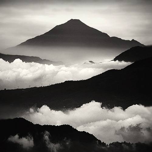vurtual:  Tranquility (by Hengki Koentjoro)Ciwidey Highland, West Java, Indonesia