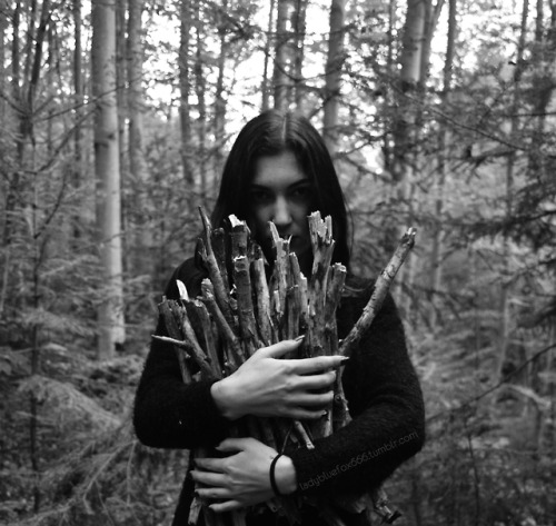 me lola valola witch black metal girl black metal style witchy vibes witchy gothic goth dark style forest girl forest dark nature