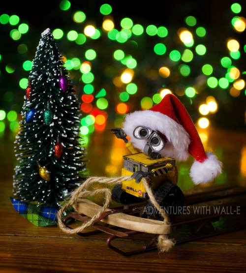 Have a Wall-e jolly Christmas! 360/366