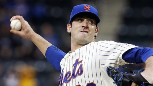 Matt Harvey pitches with a bloody nose against the White Sox.