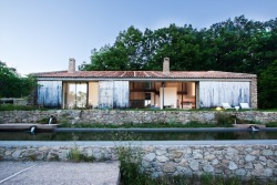 Off Grid Home in Extremadura by ABATON Arquitectura