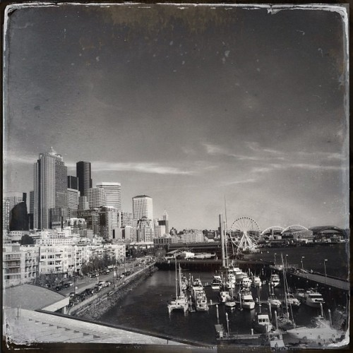 Nice day! #noirstagram #seattle #water #boats (at Bell Harbor Conference Center)