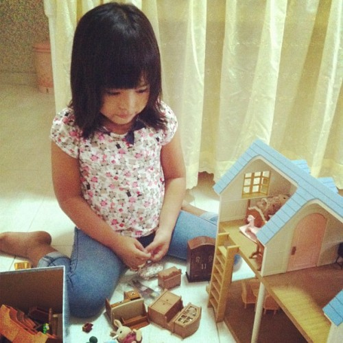 Letting her play with my treasure. While i force myself to sleep.