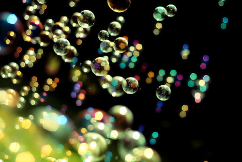 j-p-g:  Sunny bubble Bokeh on Flickr