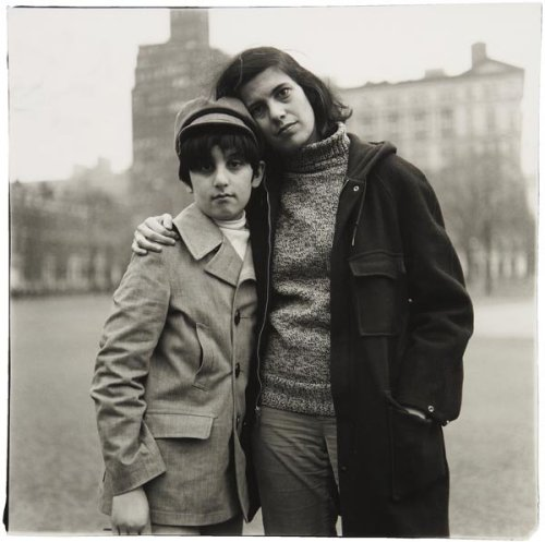 mpdrolet:  Susan Sontag with her son Davie, NYC, 1965 Diane Arbus