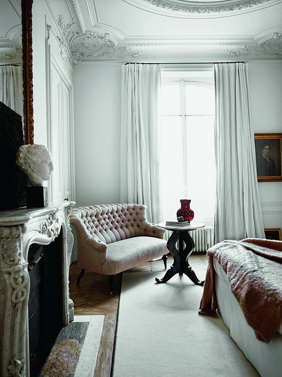 Luxe Life When it comes to unapologetically luxurious interiors, the French really know how to do it. Supported by apartments often featuring high ceilings and big windows letting in the grey light of Paris, the chosen décor doesn't even need to do much. Such is the case for the Parisian apartment of design duo Gilles & Boissier, whose bold and simplistic choices shine against a white backdrop of intricate Rococo molding. To check out the rest of their apartment, click here. And, if you're as inspired as we are, head on over to eBay to check out the selection of French sofas similar to the one in this picture. (Photo courtesy of afflante.com. Text by Jenny Bahn)