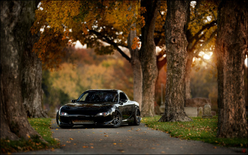 carpr0n:  The last unicorn Starring: Mazda RX7 (by VisualEchos)