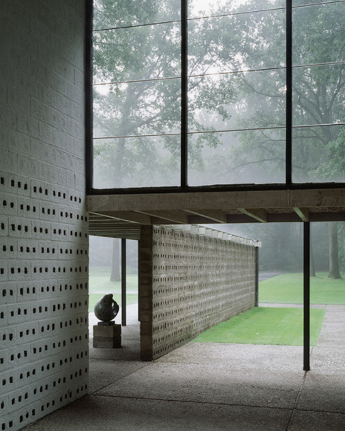 fractalized:  Photo by Kim Zwarts Sonsbeek Pavilion. Architecture by G. Th. Rietveld.