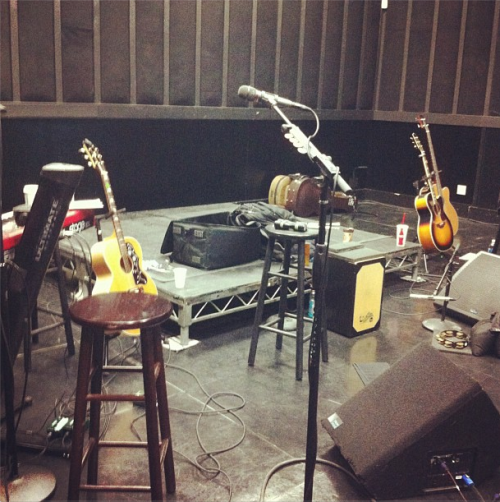 smg-news:  @greggarman: Getting ready for the acoustic show! #SG&TheScene