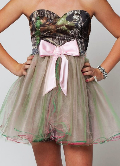 I would so wear this to homecoming! omg