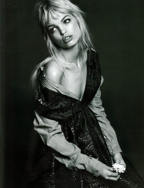 gasstation:  Daphne Groeneveld - Twin #8 photographed by Lachlan Bailey