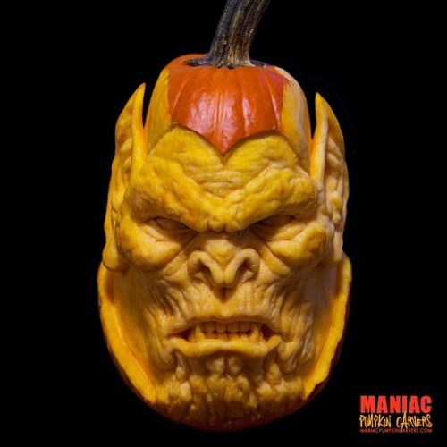 Its Maniac Monday! Here is a skrull carved from a single solid pumpkin.  Follow @maniacpumpkins for more!