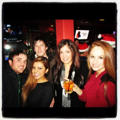 #barhopping #sf🌉 #bestfriends👯 #boyfriend💑 #topnight👌#drinks🍹 #dancing💃 @stephencoopdaloop @ashjulissa  (at Monaghans)