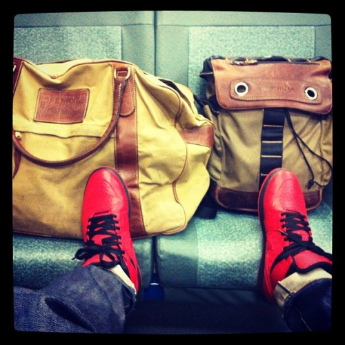 Seattle bound #massivemonkeyday #breaklife #renegderockers #jordans #baglife #classic #styles #teisbe #1  (at Earth)