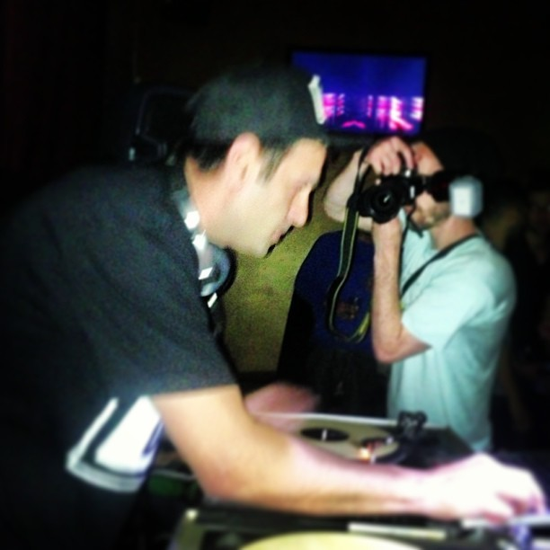 @djlennyducano getting in at #SNAPBACK and getting paparazzi-ed….AT THE SAME DAMN TIME!! (at The Federal Bar)