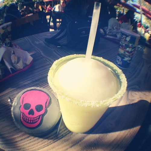 Margaritas and Disney @jaymeleighh #fisheye #disney #fun  (at Disney California Adventure Park)