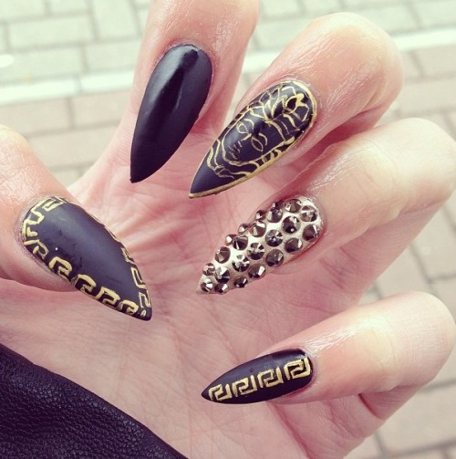 belle-rebel-x:  Versace inspired claws