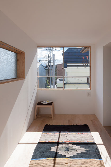 foxontherun:  (via Shimpei Oda reworks humble Japanese house to create light-filled rooms)