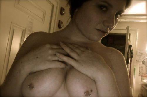 Name: Erika Age: 19 City: Northampton, MA Piercings Shown: Nipples (14g) and Septum (16g) Piercings Not Shown: two Helix piercings (18g) Retired Piercings: Lobes (but I'm getting them done again soon, hopefully)