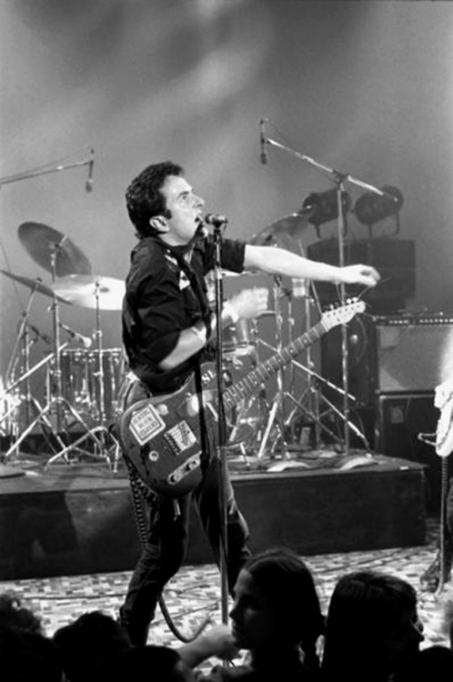 superseventies:  Joe Strummer on stage, 1979