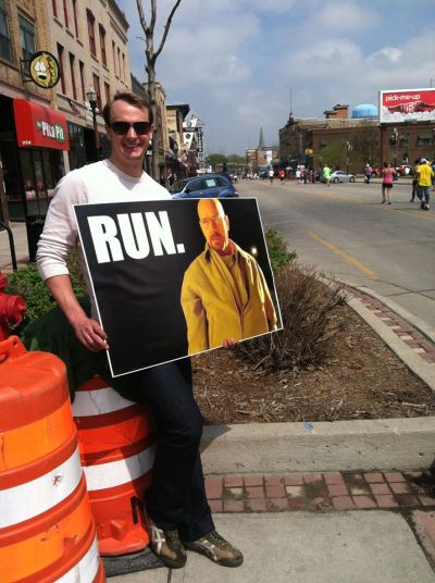 dailybreakingbad:  I figured you guys would enjoy my marathon sign.http://dailybreakingbad.tumblr.com/