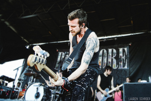 Jeremy Davis of Paramore at Warped Tour in 2011 in Toronto (click photo) Webzine / Prints / Facebook Page / Website