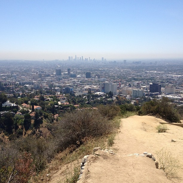 And this my friends is what smog looks like on a 100+ degree day in Los Angeles #delicious #thepricewepay #rideabike #smog #la #losangeles #hollywood #hollywoodhills #runyon #runyoncanyon #hike #hikela #hikemore #acclimate #beready #stayfit #trainharder #dontquit #earnedmypooltime (at Runyon Canyon Park)