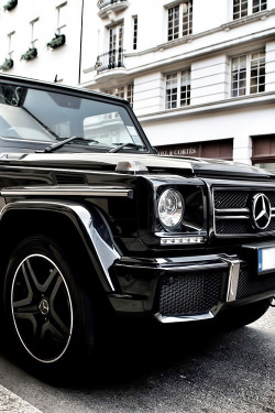 iamstefania:  l-yps:  watchanish:  G55 AMG x London  WOW  yayaya
