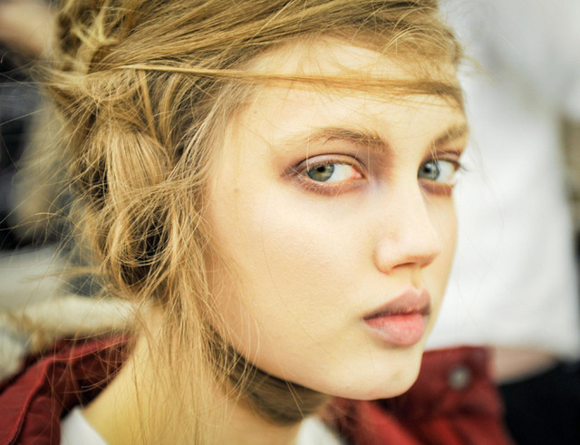 And another.  madefw: Dear Lindsey Wixson, we do adore you.