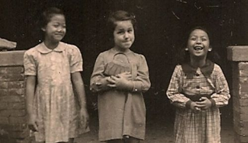 bunmer:  redhester:  bunmer:   A young Jewish refugee with her Chinese playmates. Shanghai, China (x)  Between 1933 and 1941, it is estimated that 20,000 Jews escaped persecution by fleeing to the Chinese port of Shanghai. Shanghai was one of the few places in the world that would accept Jewish refugees at this time, Japan being another.  i am furious that i am just now learning about this important fact.  Because it has nothing to do with the USA being the superhero and saving all the Jews