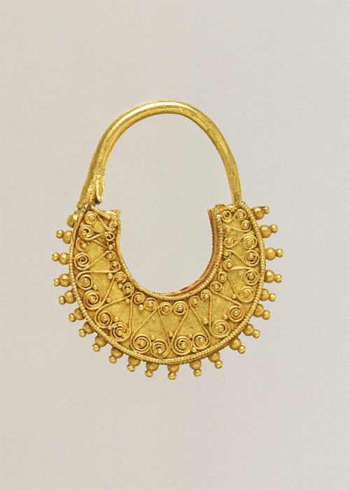 met-greekroman-art: