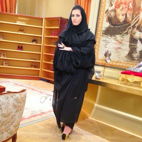 Aisha'Z abaya worn by the beautiful presenter of the new Qatar tv show (مصممون) ❤