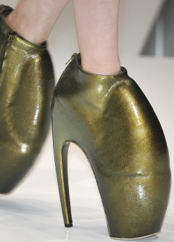 Alexander McQueen S/S 2010 Armadillo Shoes