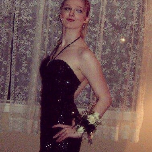 One more #tbt #prom #2006 #skinny #motivation #littleblackdress #pretty