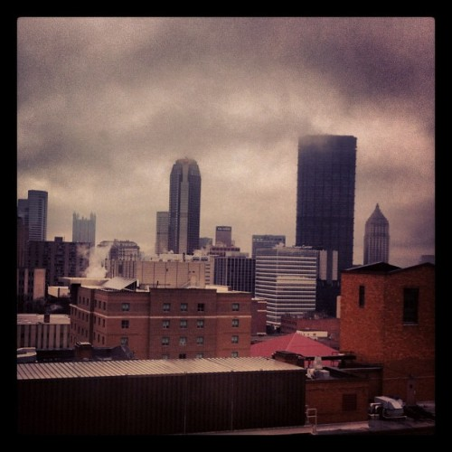 Sunny Afternoon. #pittsburgh #winter #gloomy #city #skyline