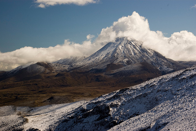 gescheit:  Mount Ngauruhoe by Tannachy on Flickr.