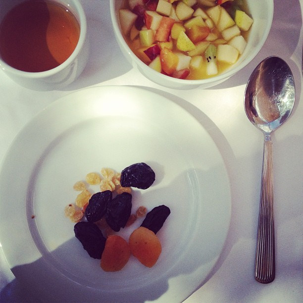 Starting healthy @hotel_les_deux_tours #breakfast #morning #fruits #marrakech