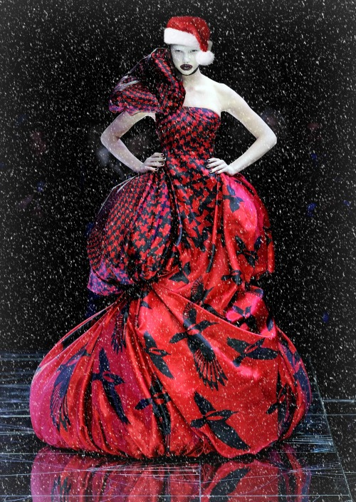 ~Merry Christmas from Karlie Kloss at Alexander McQueen f/w 2009~