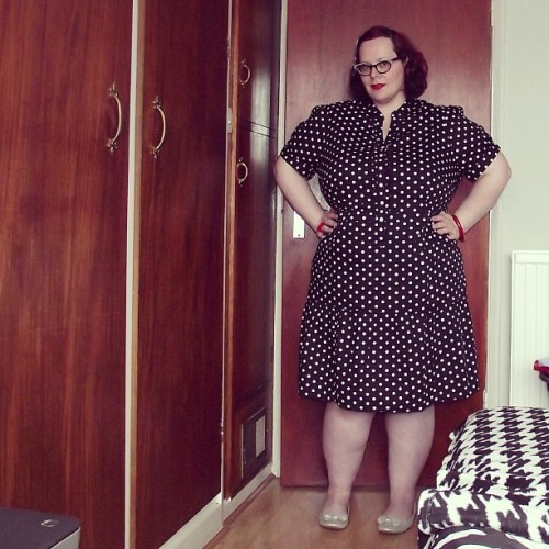 New Blog Post - Dotty For Retro feat. @Curvissa dress review size 28 http://lollylikesfatshion.blogspot.co.uk #lollylikesfatshion #psblogger #fblogger #fatshion #plussizefashion #plussize #effyourbeautystandards