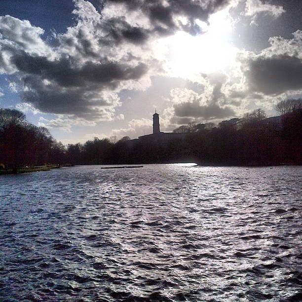 A Sunny and Windy evening at Highfields Park #universityofnottingham (at Highfields Park)
